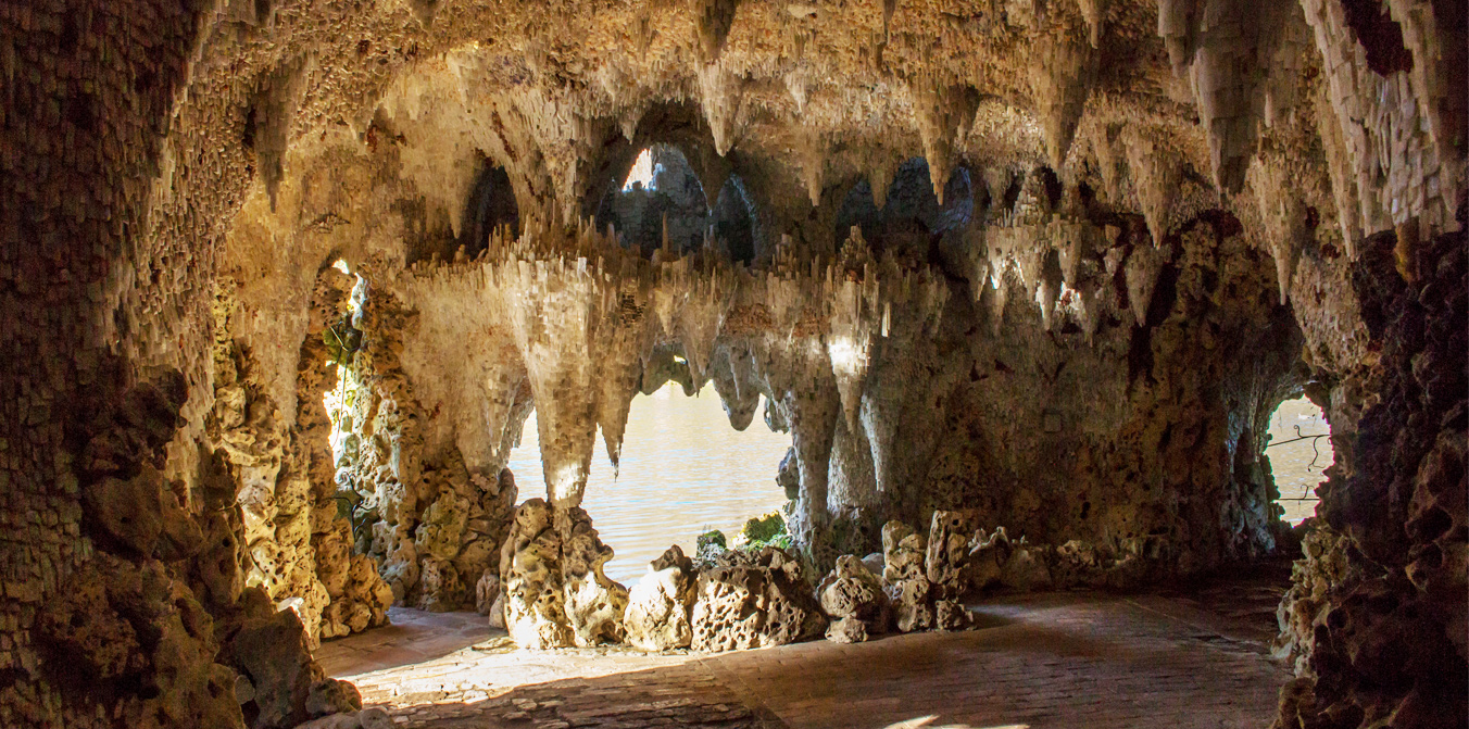 Crystal Grotto Timed Tours