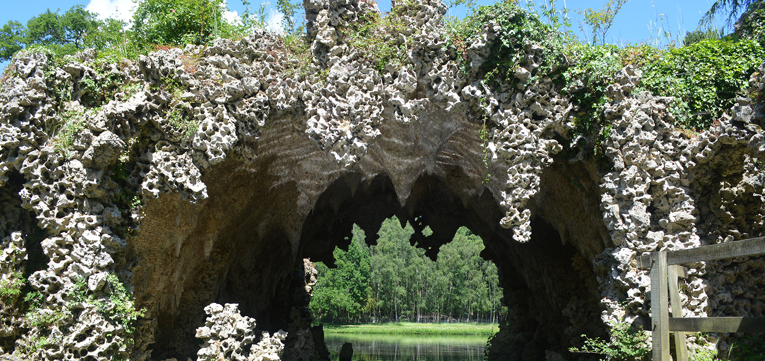 Crystal Grotto from the outside