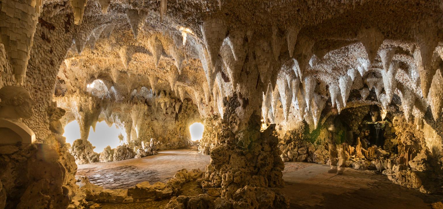 Sun shining in Crystal Grotto
