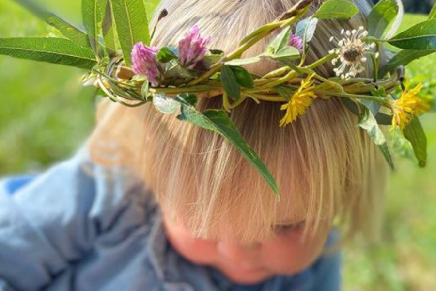 Early Years outdoor learning fairytale story walk
